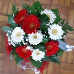 Bouquet de germinis rouges et blancs