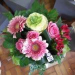Bouquet moderne dans les tons roses